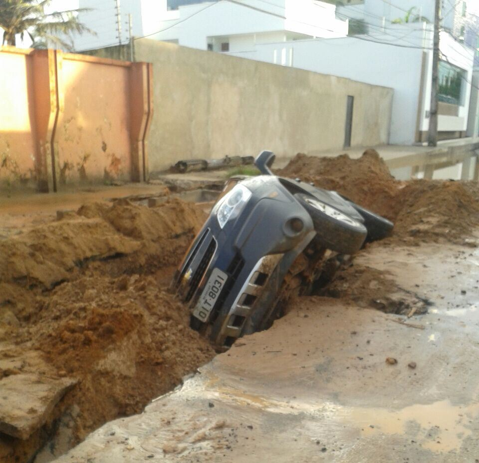 O motorista do veículo teve apenas escoriações, mas passa bem