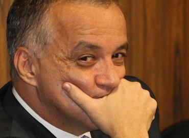 O empres�rio Carlos Augusto Ramos, o Carlinhos Cachoeira, durante audi�ncia na CPI Mista, no Senado, no Congresso Nacional, em Bras�lia. (Foto: S�rgio Lima/Folhapress)