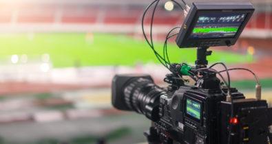 Bolsonaro sanciona Lei do mandante para transmissões do Futebol