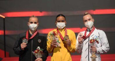 Rebeca Andrade conquista Ouro, Prata e recorde no Mundial de Ginástica